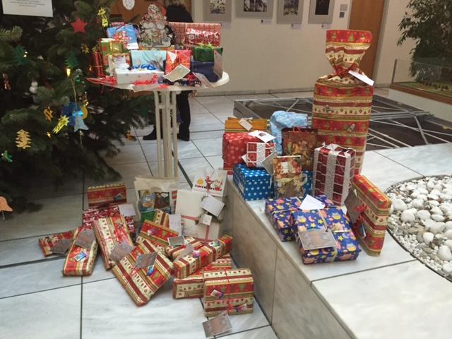 Weihnachtswunschbaumaktion 2015 - 2